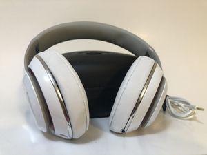 Authentic White Beats Studio 2 ***NON WIRELESS ***Headphones for Sale in Orlando, FL