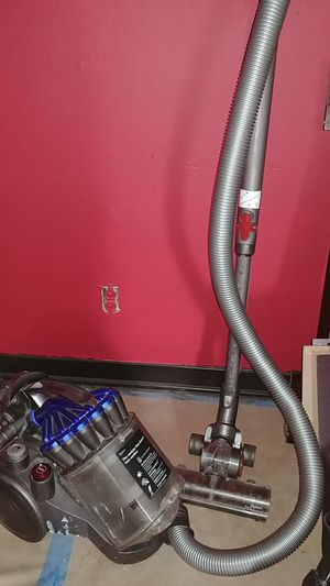Dyson Ball multi vacuum for Sale in Pasadena, TX