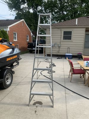 Aluminum 8ft ladder for Sale in Allen Park, MI