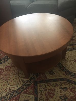 Coffee table with shelf for Sale in Gaithersburg, MD