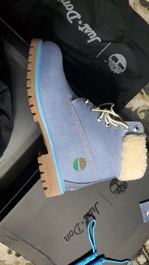 Size 9 timberland boots for Sale in McKeesport, PA