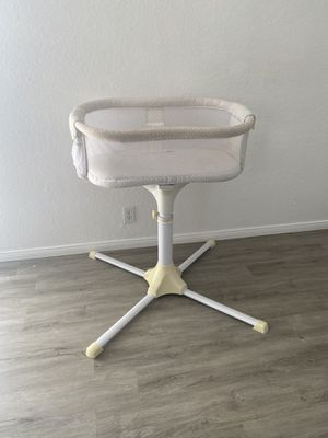 Halo bassinet for Sale in Midway City, CA