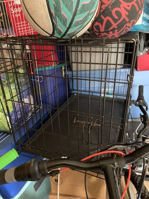 Medium dog cage for Sale in Yardley, PA