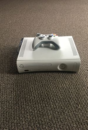 Xbox 360 original 20gb and controller for Sale in Damascus, OR