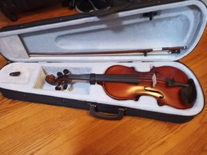 Violin brand new comes with extra strings for Sale in Lomita, CA