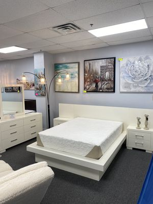 Luxurious White Contemporary Bed Room Set 4 Piece! PH for Sale in Irving, TX
