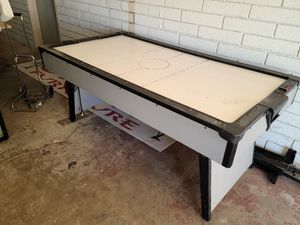 Air hockey table for Sale in Apple Valley, CA