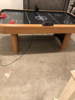 Air hockey table for Sale in Weldon Spring, MO