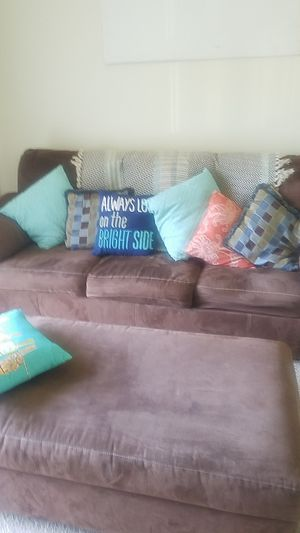 Queen sized Sleeper Sofa w/matching ottoman $75 for Sale in Fort Washington, MD
