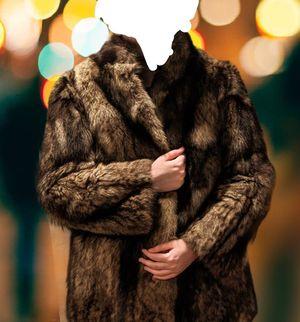 Genuine fur coat size m for Sale in Alexandria, VA