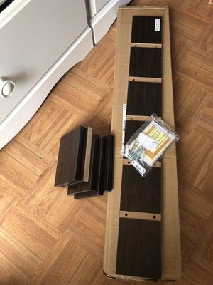 Wall shelves (Lowes) for Sale in Hayward, CA