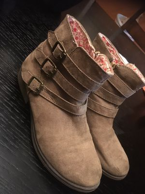 Girls boots size 3 for Sale in Indianapolis, IN