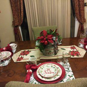 Decorator Christmas Tablescape for Sale for Sale in Stockbridge, GA