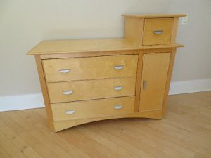 Changing table/dresser for Sale in Boston, MA