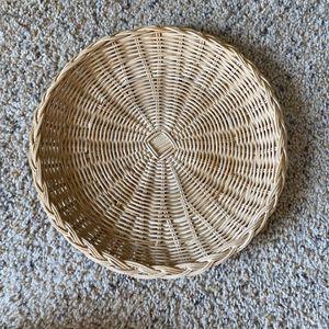 ‼️Braided Edge Wicker Basket‼️ for Sale in Edgar, WI