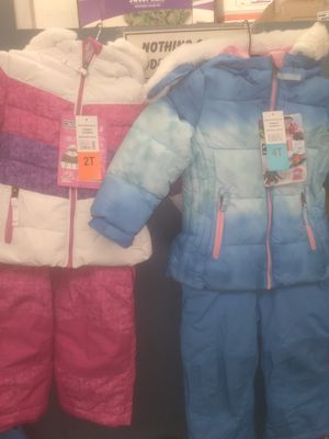 Toddler two-piece winter outfit for Sale in Hacienda Heights, CA