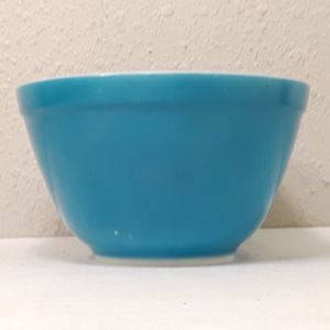 Vintage Pyrex Blue Nesting Mixing Bowl for Sale in Anaheim, CA