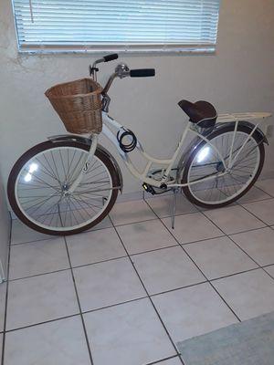 Schwinn Bicycle for Sale in Avon Park, FL