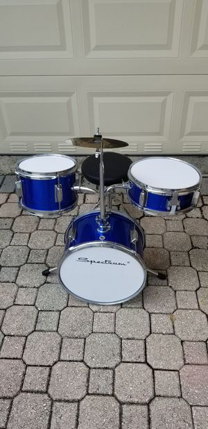 Spectrum Junior 3 Piece Drum Set with 8in Crash Cymbal for Sale in Miami, FL