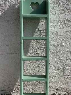 Small Wall Mount Rack for Sale in Pico Rivera,  CA