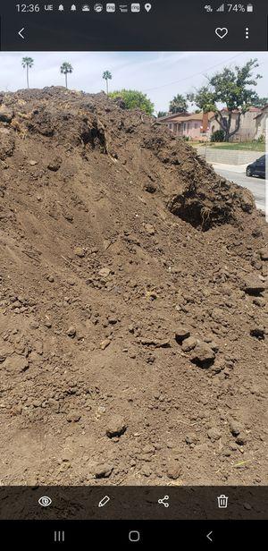 Free dirt clean tierra gratis for Sale in Los Angeles, CA