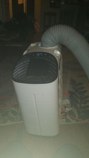 Royal sovereign portable standing air conditioner for Sale in Kansas City, KS