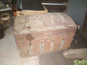 Antique Humpback Trunk! Needs work! Great Shelter in Place Project!! for Sale in San Jose, CA