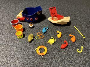 B. Toys fish n splash bath boat for Sale in Lancaster, OH