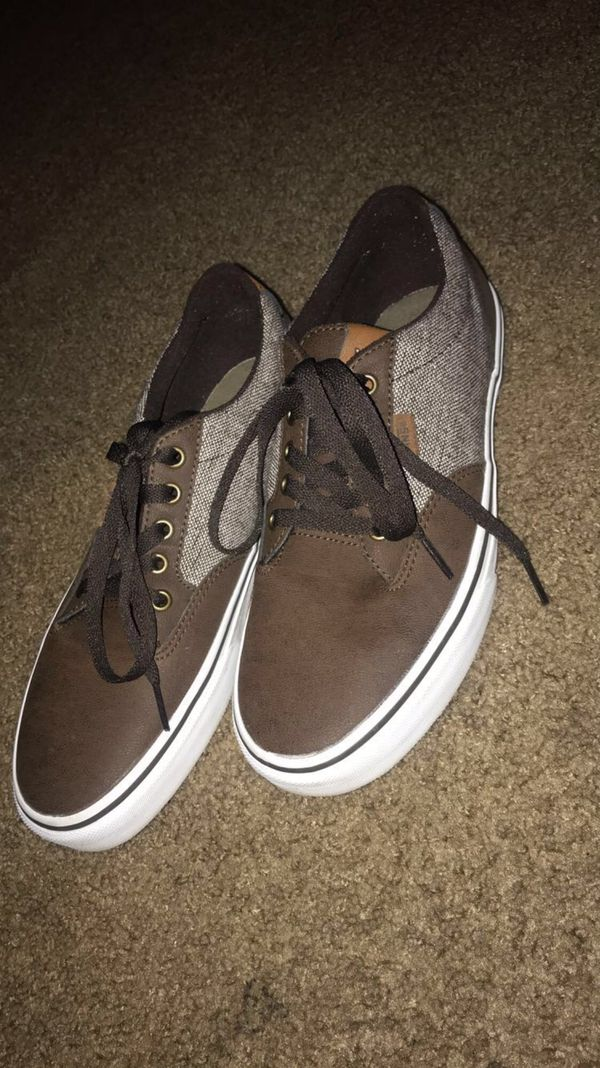 *SELLING FOR A FRIEND* Brown leather Vans