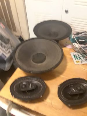 12 inch subs and a pair of kicker 6*9 amplifier and wires sold separately for Sale in Orlando, FL
