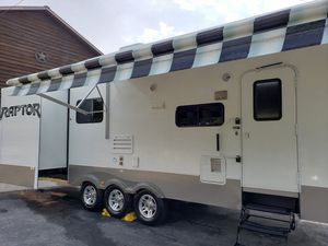 KEYSTONE RAPTOR TOYHAULER CAMPER 3602RL for Sale in Jonesborough, TN