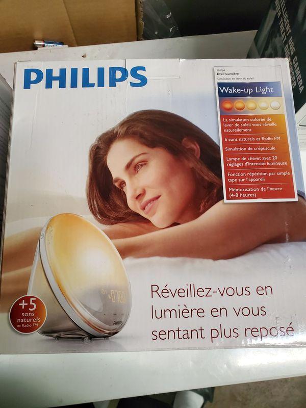 Philips SmartSleep HF3520/60 Wake-Up Light Therapy Alarm Clock