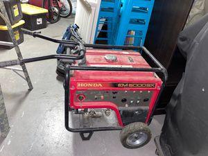 Honda EM6500SX - 5500 Watt Electric Start Portable Generator (CARB) Model: EM6500SX21 for Sale in Menifee, CA