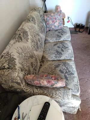 Good sofa and matching love seat! for Sale in CAMBRIDG SPGS, PA