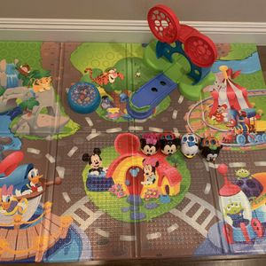 Disney Baby Go Grippers Disney Pals Play Mat for Sale in Lake Elsinore, CA