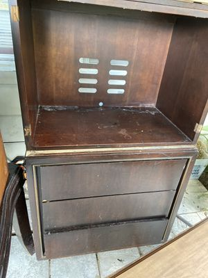 Tv stand / dresser for Sale in Tulsa, OK