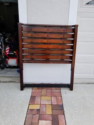 Twin wood bed for Sale in Alafaya, FL
