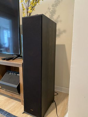 "Klipsch -reference series dual 8"" 600-watt passive 2 way floor speaker- black for Sale in Philadelphia, PA"