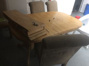 Dining table with four chairs for Sale in Modesto, CA
