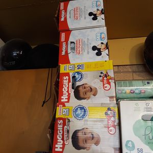 Huggies #5 &#6 diapers for Sale in Des Plaines, IL