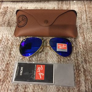 Brand New Authentic Aviator Sunglasses for Sale in North Miami, FL