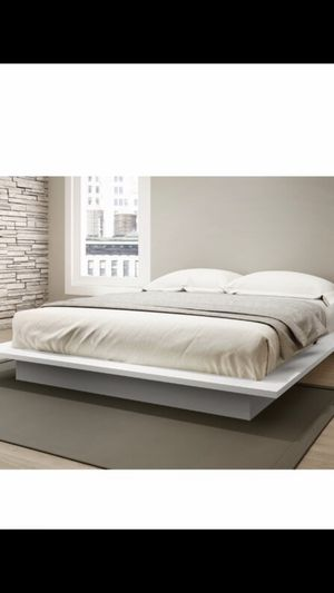 Queen size bed frame for Sale in The Bronx, NY