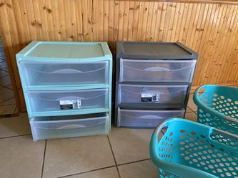 Laundry Baskets And Drawers ( Please Read Description ) for Sale in San Angelo,  TX