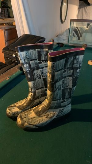 Capelli New York rain boots *FREE DELIVERY * for Sale in Columbus, OH