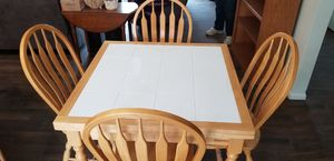 Kitchen table and 4 chairs for Sale in Chula Vista, CA