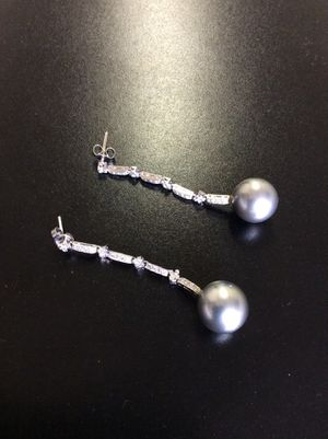 Black pearl and diamond earrings for Sale in Los Angeles, CA