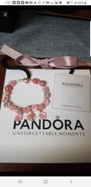 New pandora braclet. for Sale in Columbus, OH