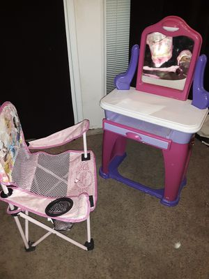Princess chair and vanity table for kids for Sale in Bartow, FL