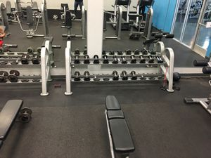 Sets dumbbells 5 lbs to 30 lbs for Sale in Las Vegas, NV