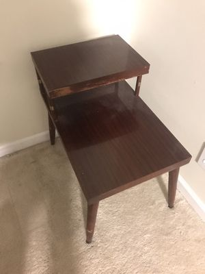 Bedside or end table for Sale in Greenville, NC